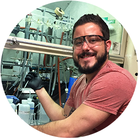 Chemistry department alum working in research lab