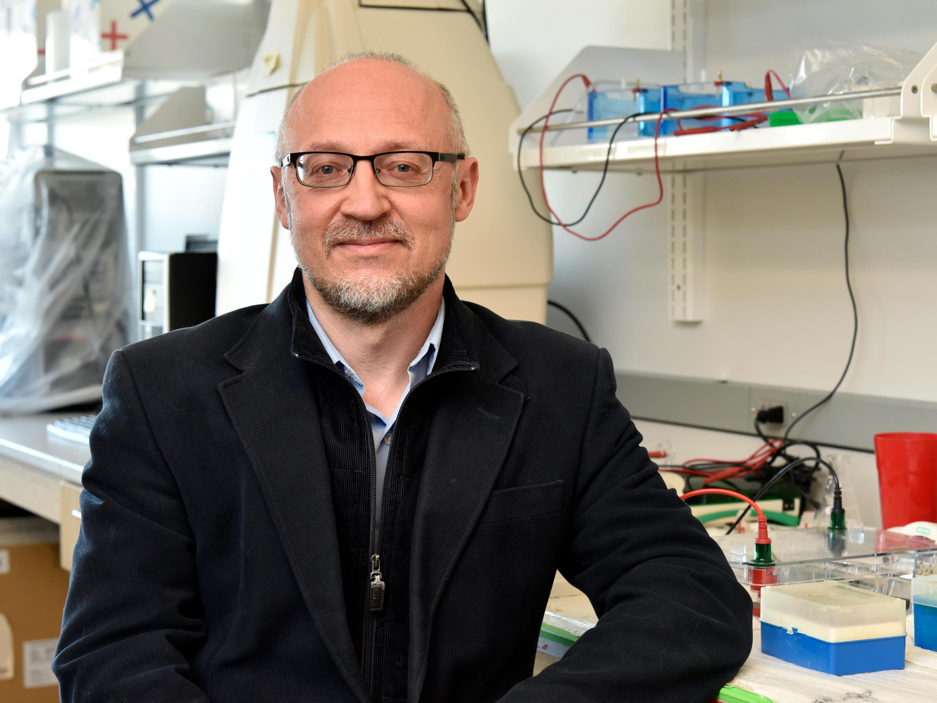 Photo of Dr. Bendinskas in his lab