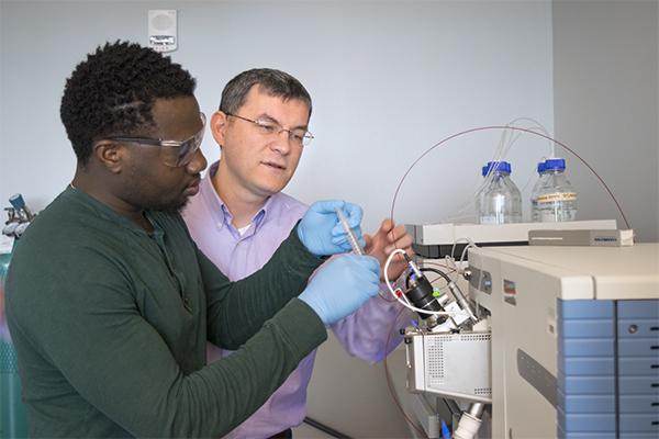 Chemistry lab, Professor & Student