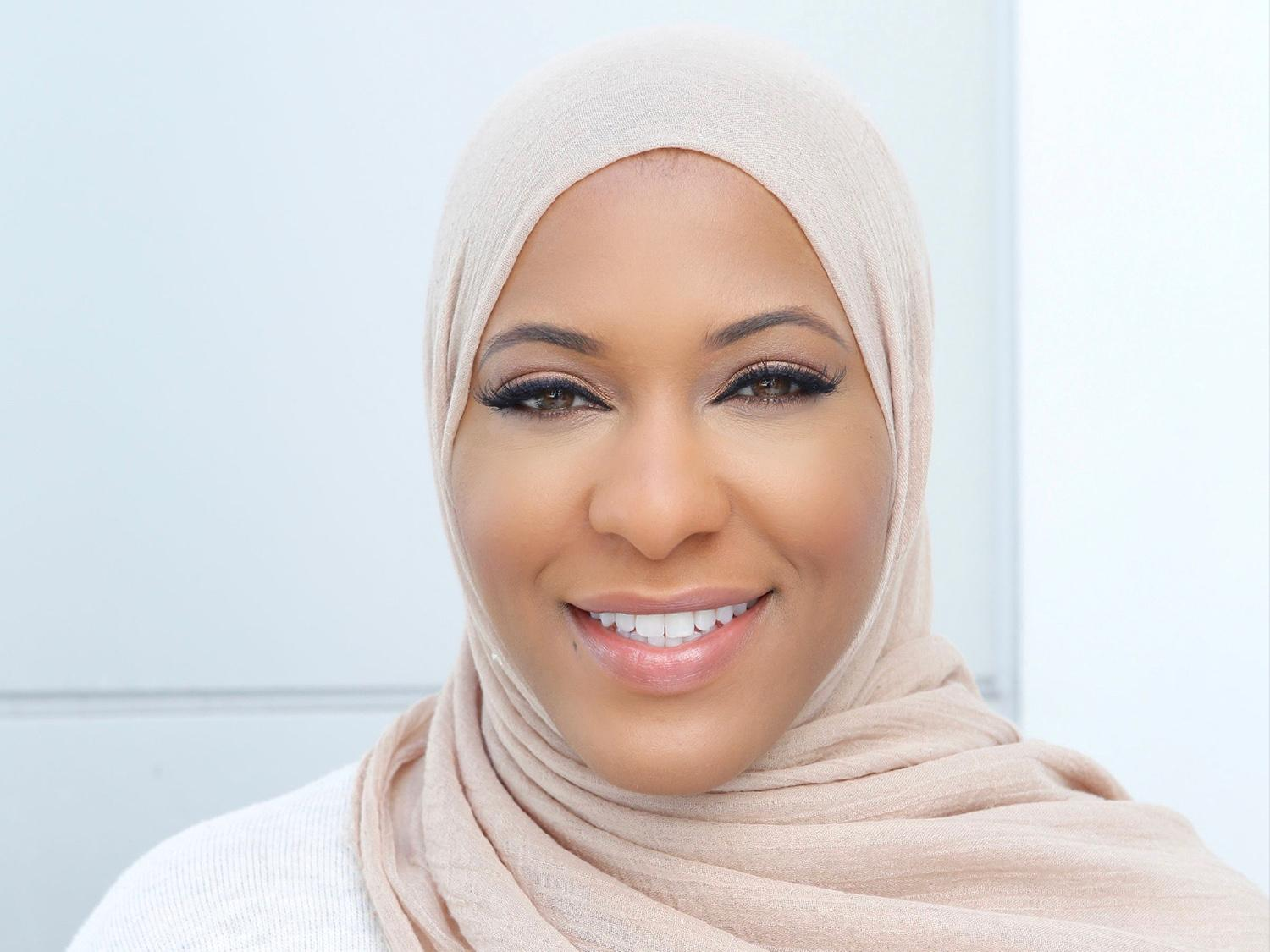 """Ibtihaj Muhammad -- the first American woman to to compete, and medal, in a hijab during the Olympics -- will bring her story to a SUNY Oswego audience in a 6:30 p.m. March 9 virtual talk in the """"I Am Oz"""" Diversity Speaker Series."""