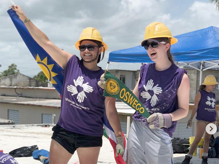 Volunteers represent Oswego during Puerto Rico work