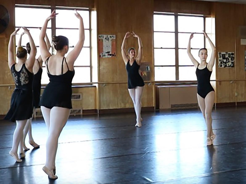 Ballet dancers rehearse