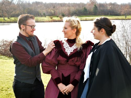 Student director of Dracula works with student actors
