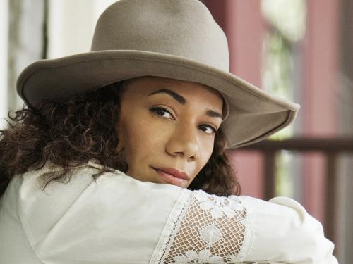 Native American and African-American singer/songwriter Martha Redbone