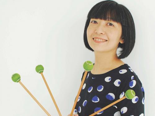 Mustumi Tsuuzaki holding xylophone mallets