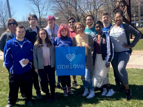 Faculty and students gather for Yards for Yeardley walk to remember and walk to prevent relationship violence
