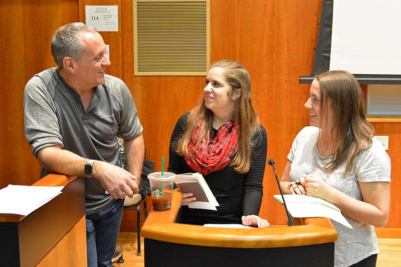 Alumnus Paul Austin speaks with students