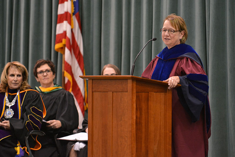 Raelynn Cooter speaks at Honors Convocation