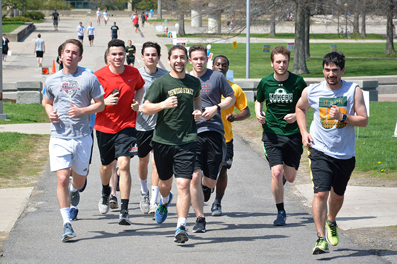 Students running at Yards for Yeardley