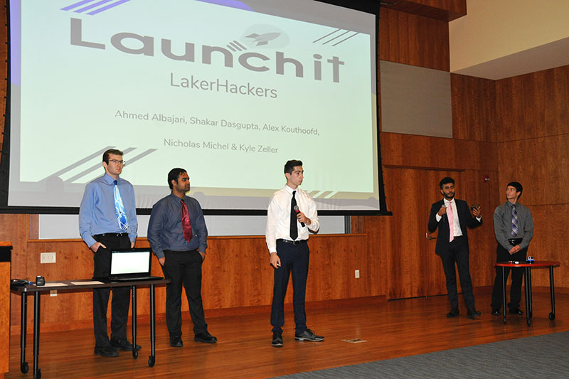Students pitch business idea