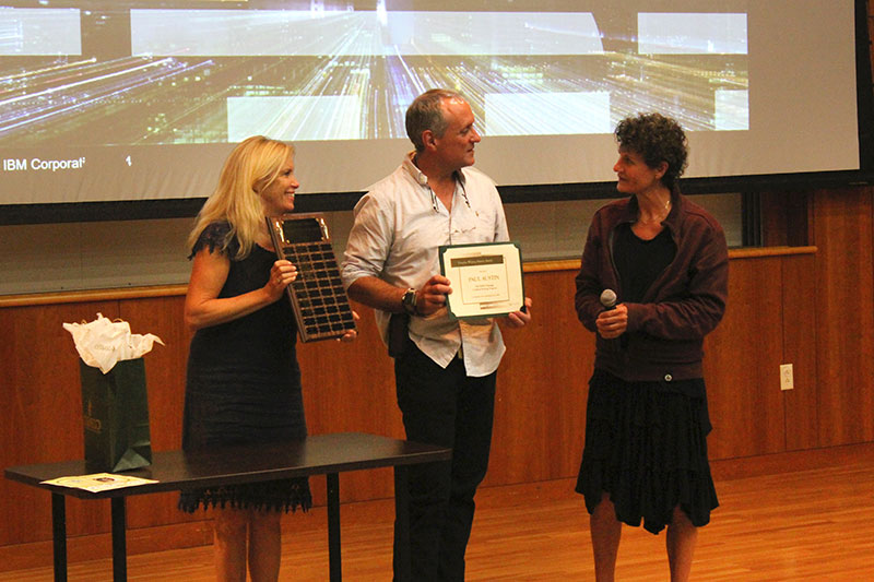 Paul Austin receives award