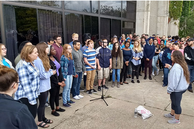 Stride to SAVE Lives attendees listen to speakers