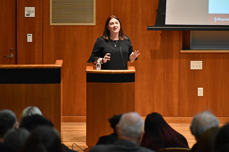 Danielle Gilbert-Perper delivers Silveira Lecture on seizing opportunities