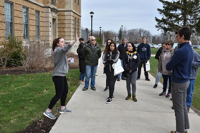 Emma Hulsing leads admissions tour