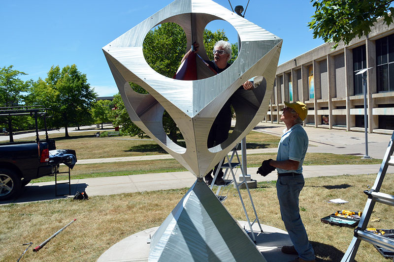 Artists install outdoor sculpture