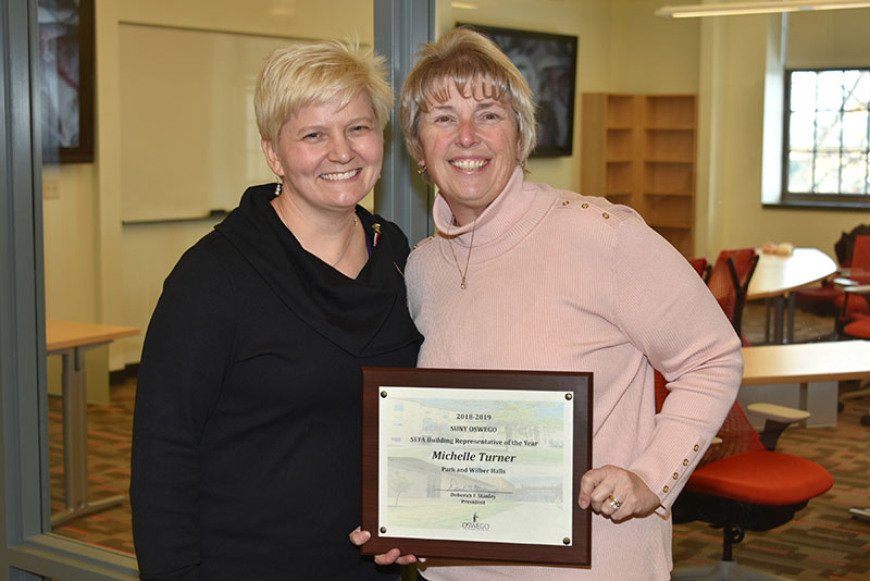 Best building coordinator for United Way/SEFA campaign congratulated