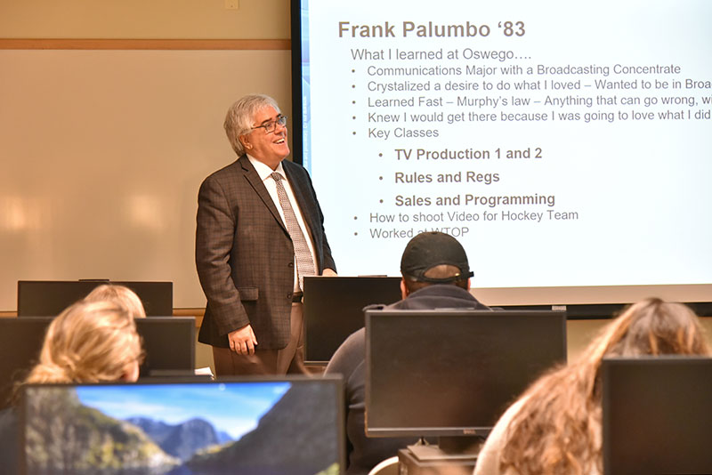 Frank Palumbo speaks with class about research and writing