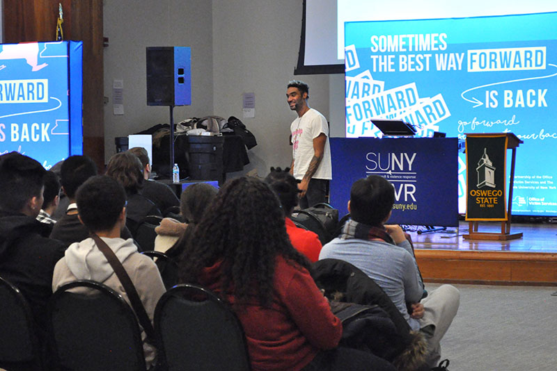 Zeke Thomas gives inspirational talk to attends of SUNY's Got Your Back