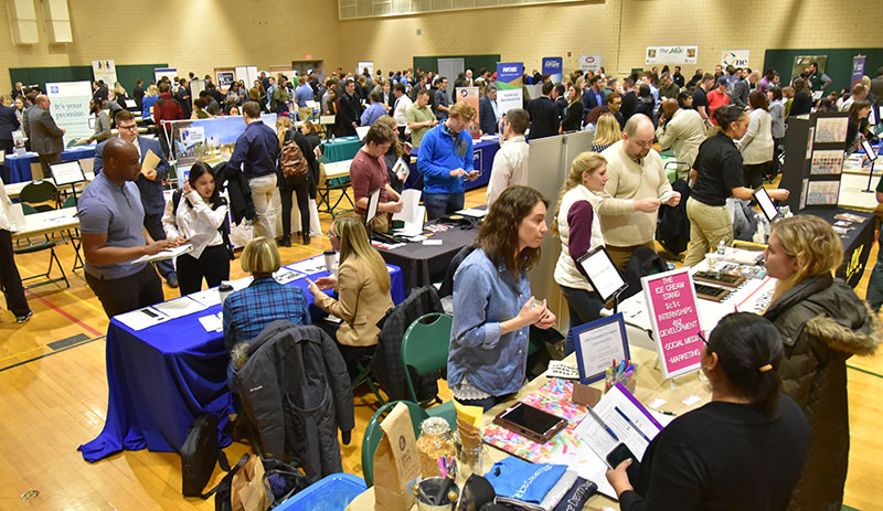 Students learn about opportunities at Spring Career and Internship Fair
