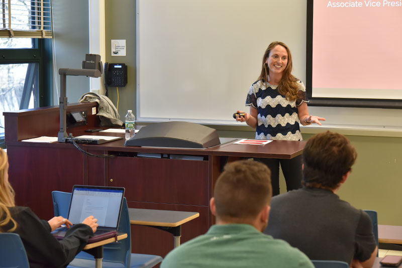 Alumna Lauren Herrington speaks about Strategic Communication in Business