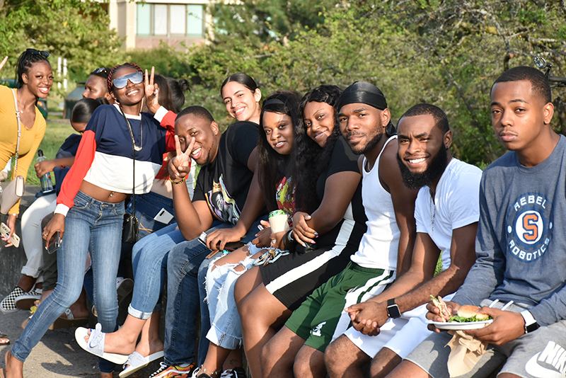 Students enjoy a sunny start to the semester at the Aug. 23 Welcome Picnic