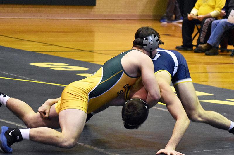 Jordan Bushey wrestling