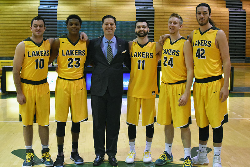 Seniors on men's basketball team