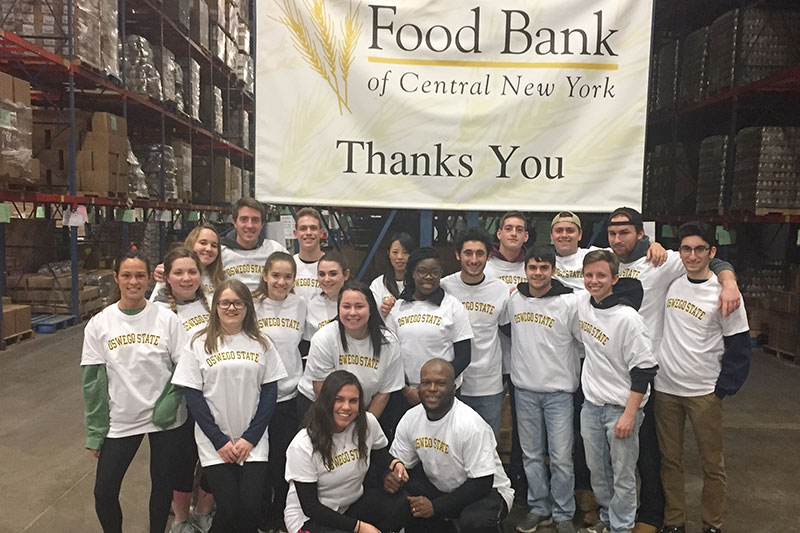 Students, faculty at Food Bank at CNY