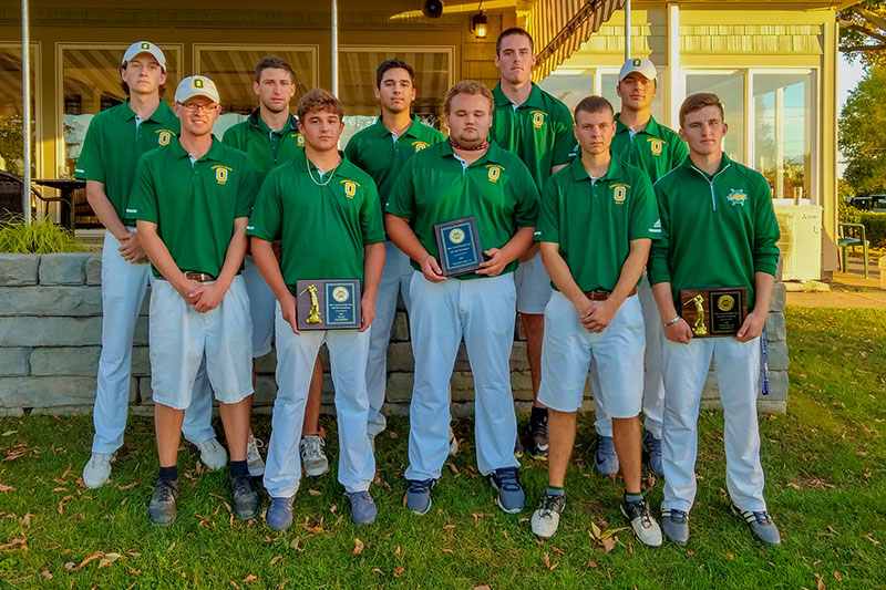 Laker golf team gathers for group photo