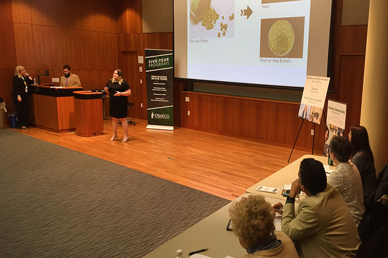 Graduate students participate in 3-Minute Thesis competition