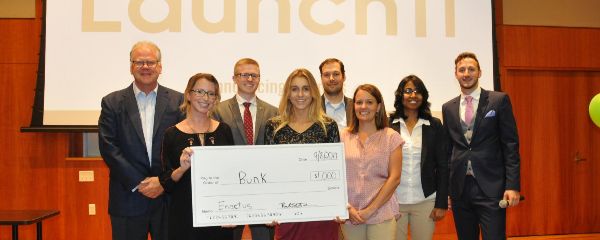 Launch It entrepreneurial competition winning students, judges and organizers
