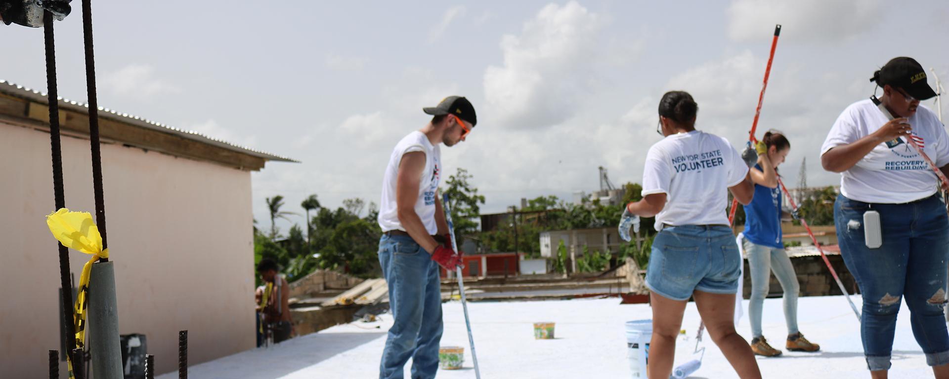 Students help repair roof in Puerto Rico