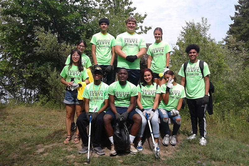 Group of students that participated in a clean up project
