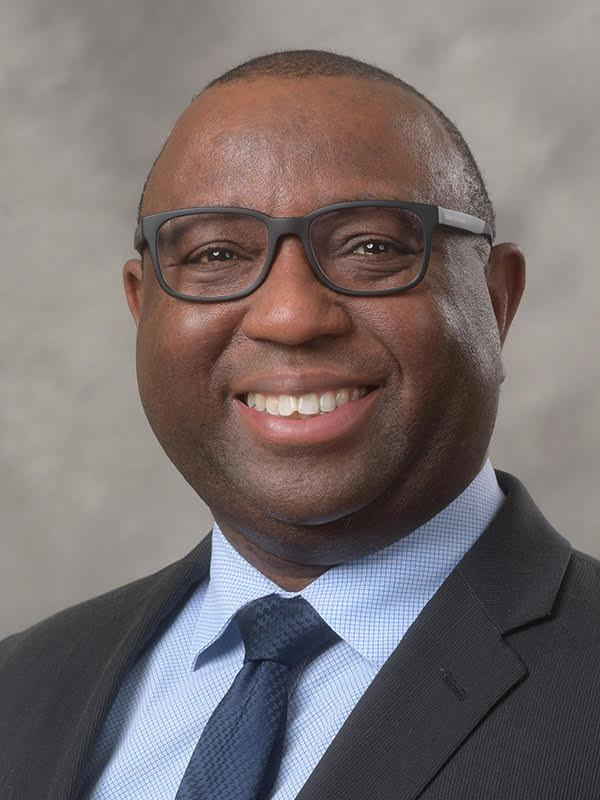 Photo of Rodrick Andrews, Director of Financial Aid
